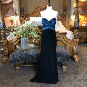 Tony Bowls Le Gala Black Strapless Gown Size 6